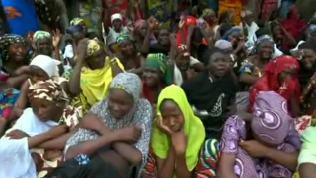 2014-05-08T231350Z_1_LOVEA471SJ1XC_RTRMADP_BASEIMAGE-960X540_NIGERIA-KIDNAPPED-GIRLS-UPDATE-O