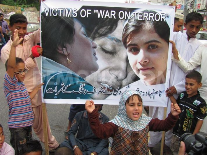 1350509909-aafia-benazir-and-malala-all-are-victims-of-war-on-terror-protest_1528530