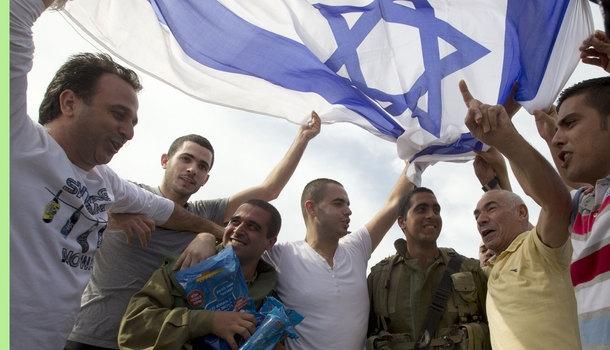 Nobel winners call for Israel embargo
